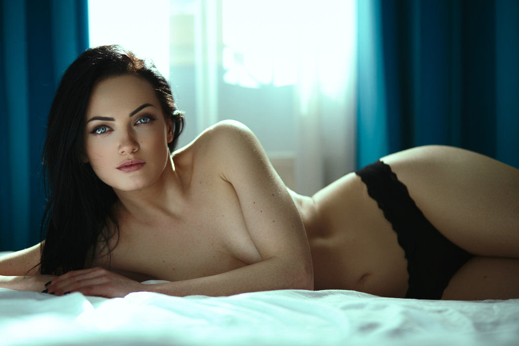 Some important aspects related to webcam modeling